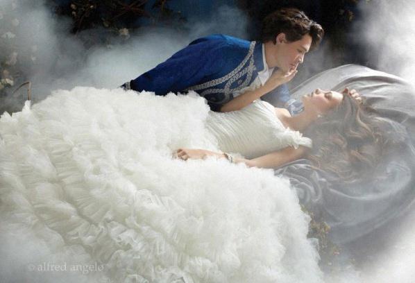 robe de mariée belle au bois dormant
