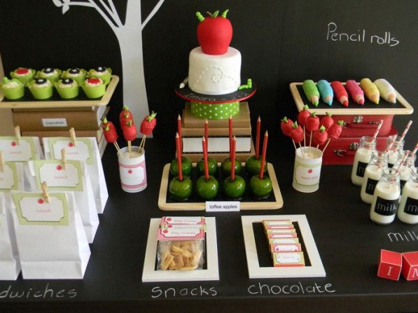 Th me de mariage ou d 39 anniversaire l 39 cole for Back to school decoration ideas for teachers
