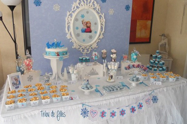 le 5e anniversaire d enora au royaume de la reine des neiges anniversaire sweet table reine des. Black Bedroom Furniture Sets. Home Design Ideas