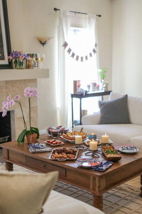 comment organiser une pendaison de cr maill re m morable et r ussie. Black Bedroom Furniture Sets. Home Design Ideas