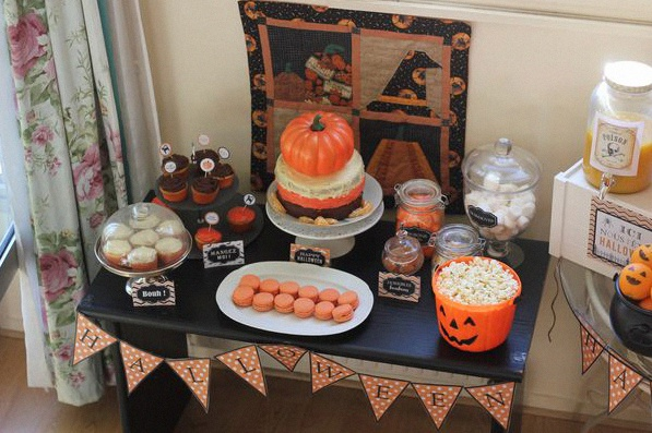 décoration buffet halloween sweet table