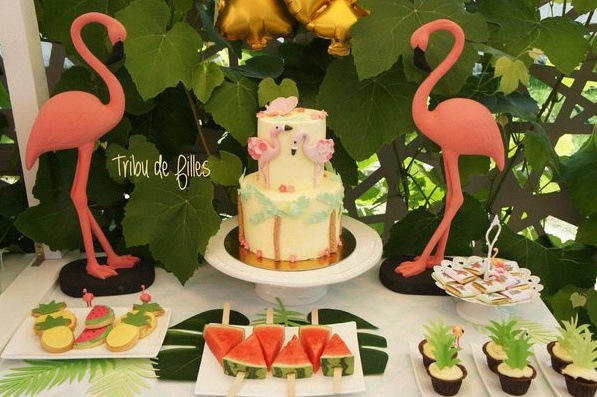 anniversaire flamant rose décoration flamingo tropical party