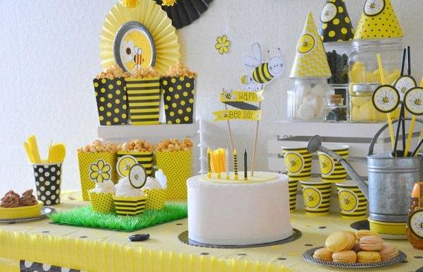 anniversaire décoration abeilles buffet sweet table