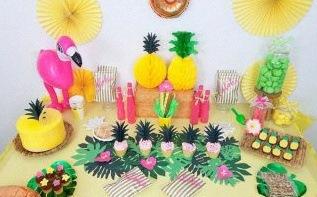 L'anniversaire tropical d'Emma sur le thème de l'Ananas